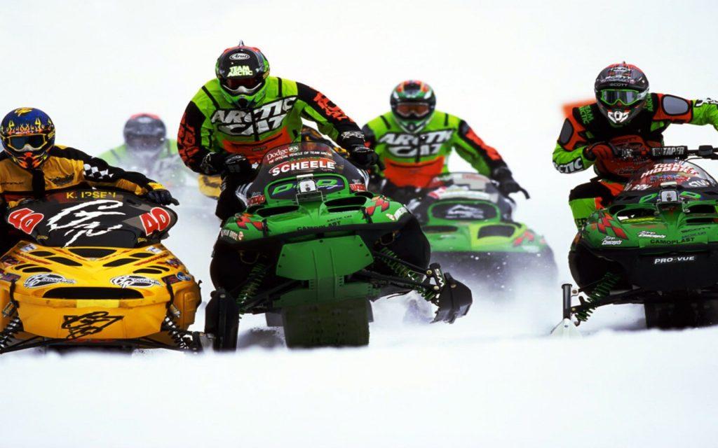 sport-snowmobile-racing