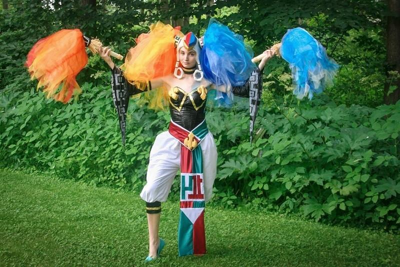 Annie DeRochie Geek costume Twinrova win
