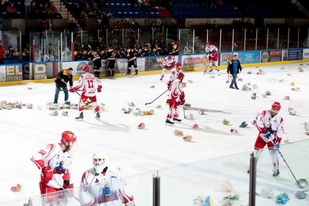 River Kings Teddy Bear Toss