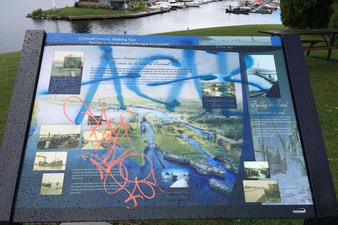 walking-tour-plaque-defaced