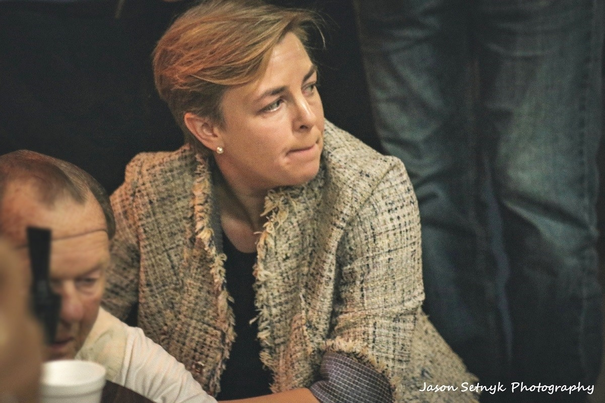 conservative-kellie-leitch-comes-to-aid-of-cornwall-man