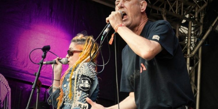 Crass Steve Ignorant with Paranoid Vision at 77' Montreal
