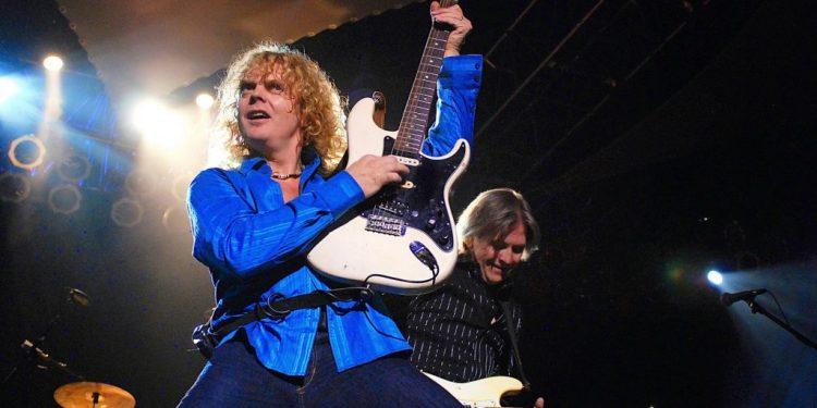 Interview with The Guess Who and April Wine - Carl Dixon