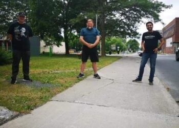 From left to right:  Roger Caron, the Spicy Pearl - Terry Muir, Ribfest Chairperson - Hassan Rafiei, Schnitzels